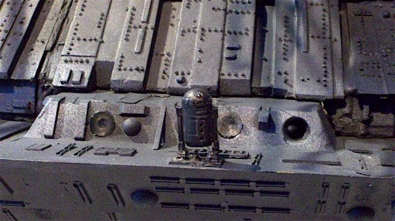 Close Enc R2